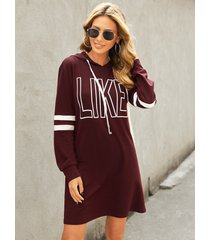 yoins borgoña letra con capucha diseño mini vestido