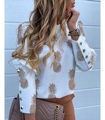 blusa con mangas abullonadas con botones blancos diseño