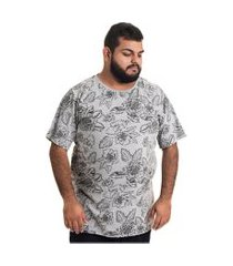 camiseta decoy plus size masculino estampada cinza