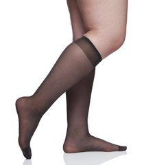 berkshire women's plus size day sheer knee high socks 6451