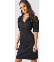 na-kd boho v-neck crochet detail dress - black