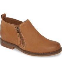 women's hush puppies 'mazin cayto' bootie, size 6.5 w - brown