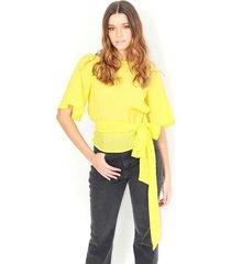 blusa color verde limon, cuello redondo, manga corta, cinturón anudado a la cintura color-verde-talla-xxs