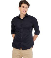 camisa manga larga azul oscura un bolsillo cuello frances
