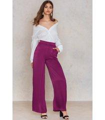na-kd shiny flared pants - purple