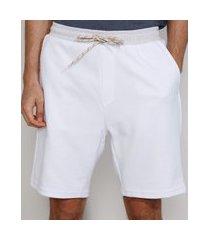 bermuda de moletom masculina relaxed canelada com cordão e bolsos branca
