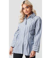 na-kd classic pleat detail oversized shirt - blue