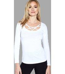 camiseta blanca transparente con tirantes cruzados sexy