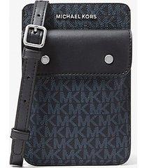 mk borsa a tracolla con logo per smartphone - blu (blu) - michael kors