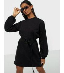 nly trend buckle belt sweat dress loose fit dresses