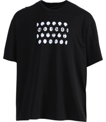 hole details t-shirt