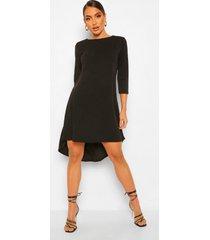loshangende jurk met driekwart mouwen en langere achter zoom, black
