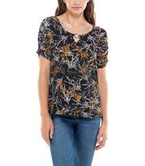 women's short sleeve raglan top with keyhole