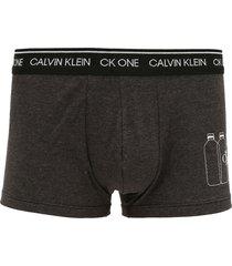 cueca calvin klein underwear boxer low rise trunk grafite - grafite - masculino - algodã£o - dafiti