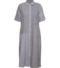 nubebe dress knälång klänning multi/mönstrad nümph