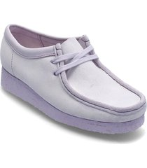 wallabee. loafers låga skor lila clarks originals