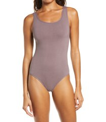 women's yummie ruby thong bodysuit, size small/medium - brown