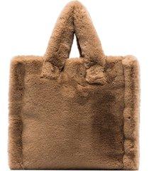 stand studio lola faux fur tote bag - brown