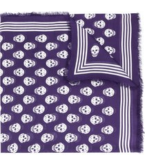 alexander mcqueen skull-print frayed-edge scarf - purple