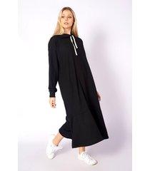 vestido negro skanda yanet