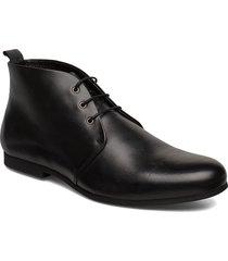 cast derby midcut desert boots snörskor svart royal republiq
