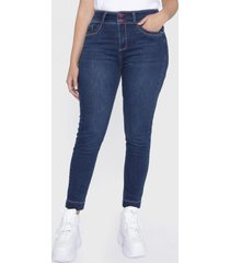 jeans push up pespuentes en contraste azul curvi