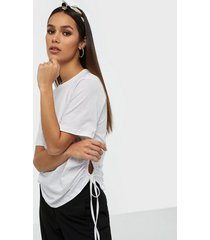 nly trend side drawstring tee t-shirts
