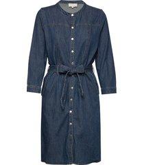 larina denim dress knälång klänning blå minus