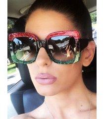 gafas de sol patchwork vendimia con forma cuadrada brilho