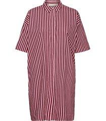 berthakb shirt dress knälång klänning röd karen by simonsen