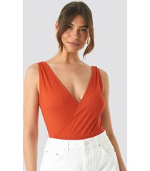 na-kd ribbed overlap body - red,orange