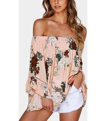 rosa blusa de mangas acampanadas con hombros descubiertos y estampado floral con tira elástica
