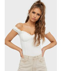nly trend flirty sweet top t-shirts