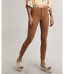 calça de sarja feminina cigarrete caramelo