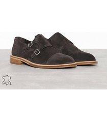 selected homme slhbaxter monk suede shoe b dressade skor brun