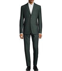 notch lapel buttoned suit