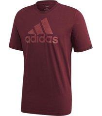 camiseta adidas estampada logo textured masculina gd5928, cor: vermelho escuro, tamanho: g - vermelho - masculino - dafiti