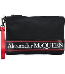 alexander mcqueen logo stripe zipped clutch - preto