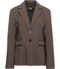 artigli suit jackets