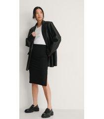 na-kd recycled ribbad kjol med slits - black