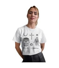 camiseta basica my t-shirt amuletos creep branca