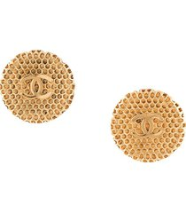 chanel pre-owned 1996 embossed cc clip-on earrings - gold