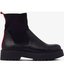 boots heavy outsole