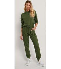 na-kd basic bassweatpants - green