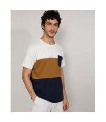 camiseta masculina manga curta gola careca com recortes e bolso off white