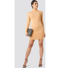 na-kd basic polo neck dress - beige