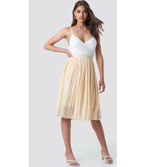 na-kd midi pleated skirt - beige