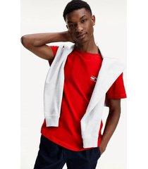 polera de algodón orgánico con logo rojo tommy jeans