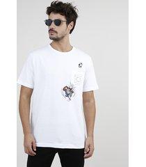 camiseta masculina taz looney tunes futebol com bolso manga curta gola careca branca