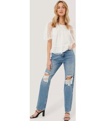 na-kd trend distressed straight fit jeans - blue